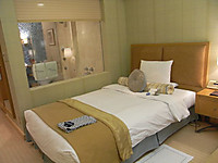 Okura_room_bed_and_bath