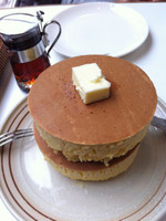 Kamakura_iwata_hotcake_butter_on
