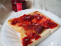 Butter_jam_toast